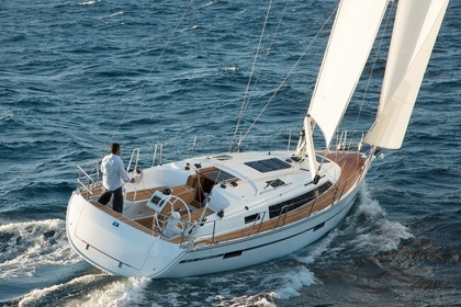 Hire Sailboat BAVARIA CRUISER 37 Skiathos