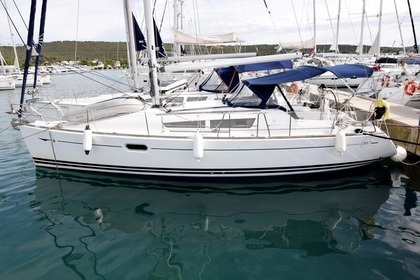 Hire Sailboat JEANNEAU Sun Odyssey 36i 3 cabines Pointe-a-Pitre