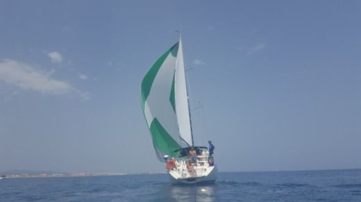 Sailboat BENETEAU OCEANIS 36 CC for hire