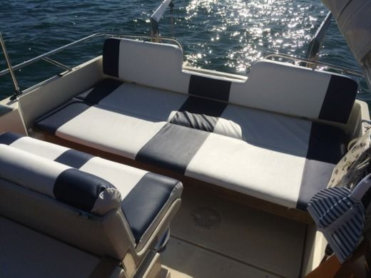 Motorboat Fairline Sun Fury for hire