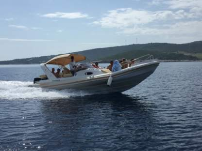 Rental Motorboat Aquamax B27 Offshore Bol