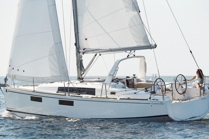 Rental Sailboat BENETEAU OCEANIS 38.1 Port Grimaud