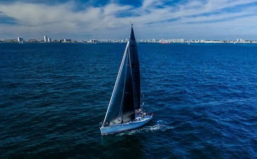 Sailboat JEANNEAU Sun Fast 32 for hire