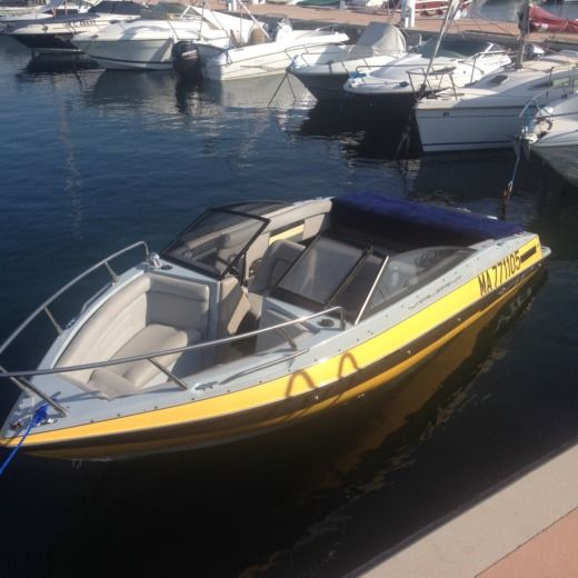 Charter motorboat in Antibes peer-to-peer