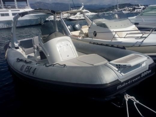 Gommone Joker Boat Mainstream 800 da noleggiare
