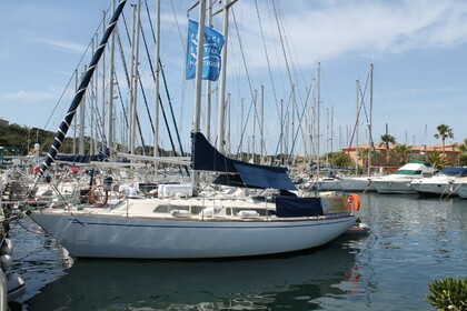 Hire Sailboat YACHTING FRANCE FANDANGO Six-Fours-les-Plages