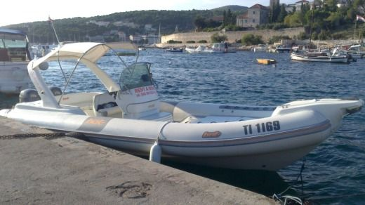 RIB 2003 Bat 745 Artik peer-to-peer