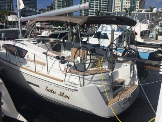 Charter Sailboat Jeanneau 44 Ds Miami