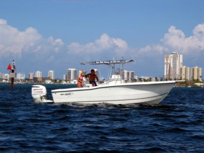 Charter Motorboat Center Console 26 Riviera Beach