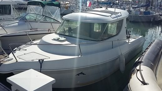 Motorboat QUICKSILVER 650 TIMONIER 90 CV Pêche Promenade for hire
