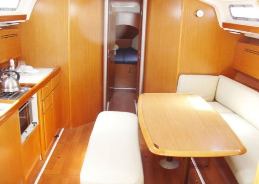 Beneteau Cyclades 43.4 in Sukošan for rental