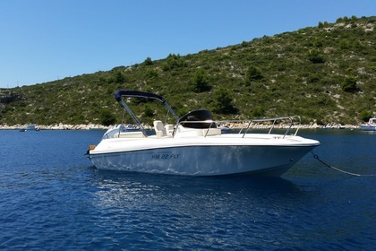 Hire Motorboat Insidias Fly  HM 22 Hvar