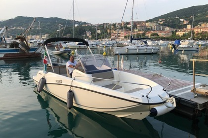 Rental Motorboat QUICKSILVER 675 open Vernazza