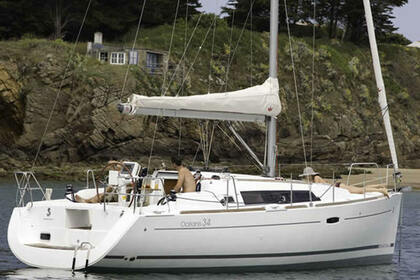 Hire Sailboat BENETEAU OCEANIS 34 Marmaris