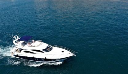 Charter Motorboat Sunseeker Manhattan 56 Birgu