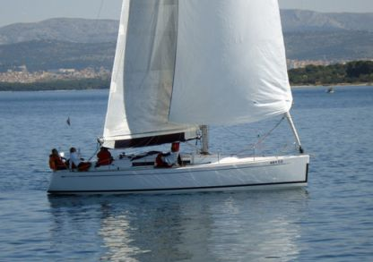 Rental Sailboat Grand Soleil 37 R Šibenik