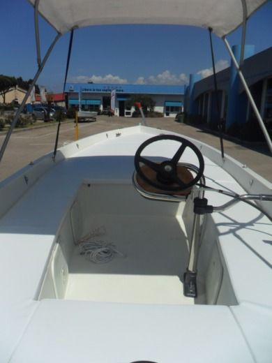 Motorboat Cantiere Parisi Lancia Ponza 600 for hire