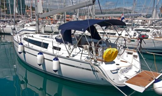 Charter Sailboat Bavaria 37 Cruiser Adria Nina Split
