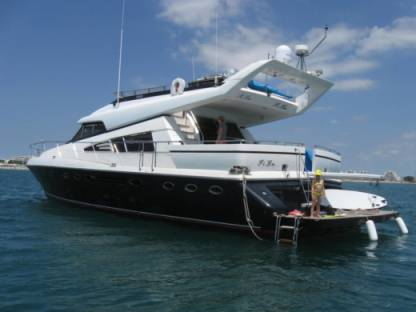 Charter Motorboat Johnson  65 Motorboat Cannes