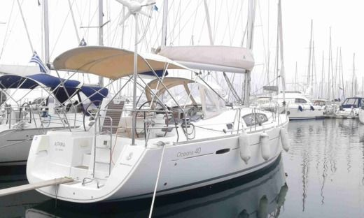 Beneteau Oceanis 40 in Alimos peer-to-peer