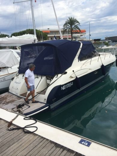 Motorboat Airon Marine 388 peer-to-peer