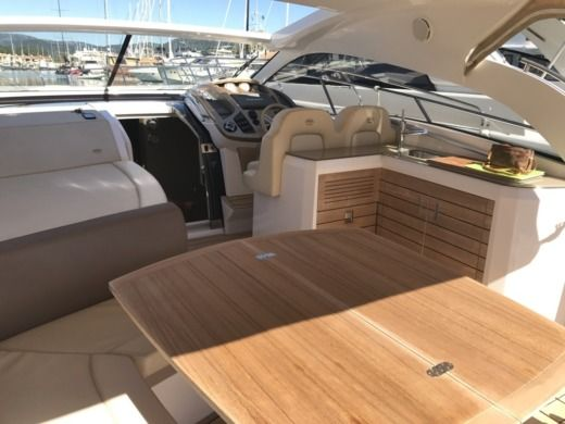 Sessa Marine C38 - Hard-Top in Saint-Tropez for hire