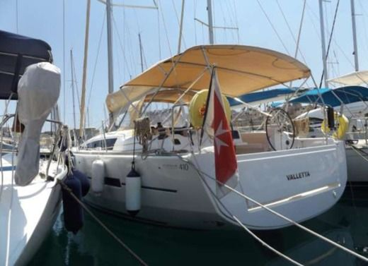 Sailboat Dufour 410 Grand Large for hire
