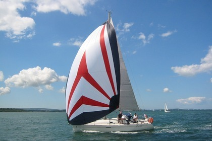 Hire Sailboat BENETEAU FIRST 31.7 Dieppe