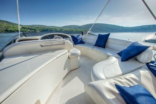 Azimut 52 Fly in Hvar for hire