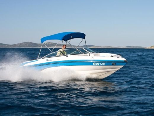 Motorboat Bryant 210 Bowrider for rental