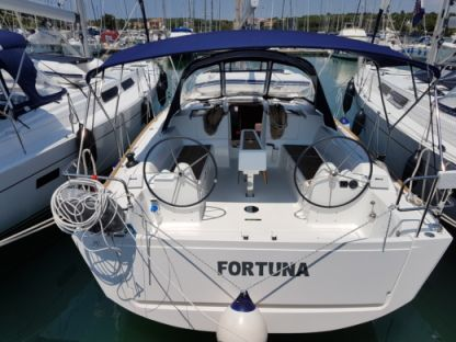 Charter Sailboat Dufour 382 Grand Large Medulin