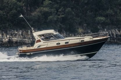 Rental Motorboat Apreamare 38Ft Comfort Sorrento