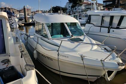 Hire Motorboat JEANNEAU Merry Fisher 625 Capbreton