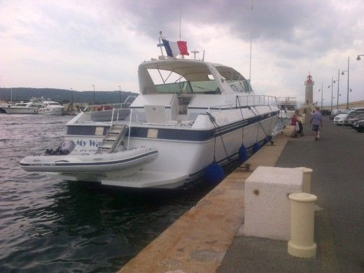 ARNO Leopard Sport in Cannes peer-to-peer