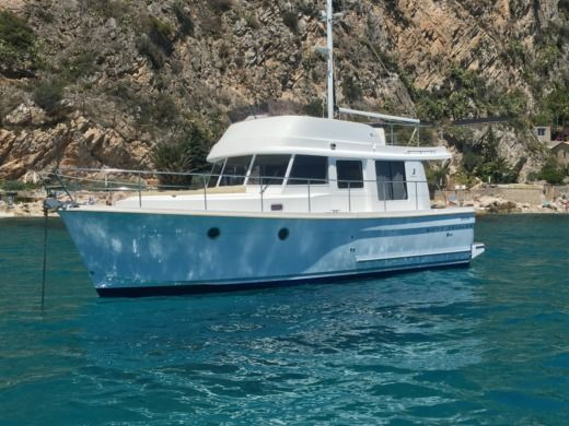 Beneteau Swift Trawler 34 in Beaulieu-sur-Mer peer-to-peer