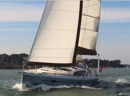 Charter Sailboat Allures 40 Arradon