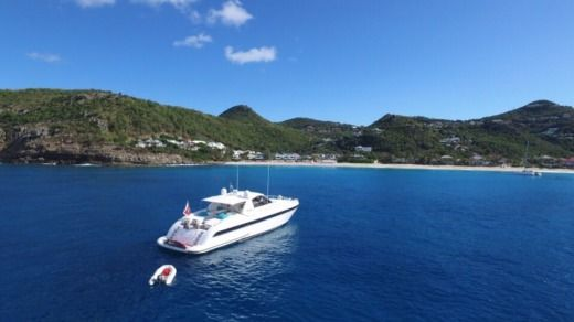 Over Marine Mangusta 80 in Philipsburg for hire