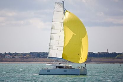 Location Catamaran Lagoon 400 San Vincenzo