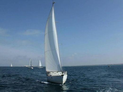 Sailboat Oceanis Beneteau 411 for hire