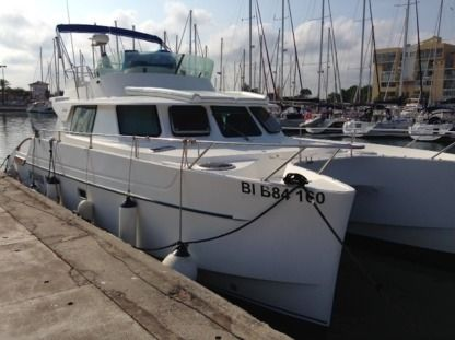 Rental Catamaran Fountaine Pajot Maryland 37 Saint-Cyprien