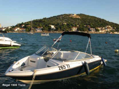 Charter Motorboat Regal 1900 Tisno
