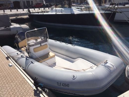 Capelli Tempest 505 in Marseille for hire