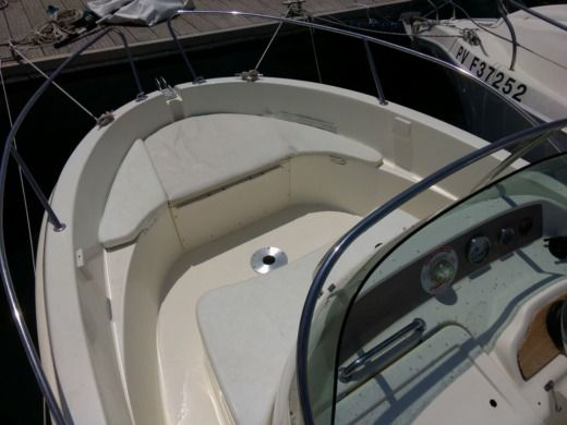 Motorboat Jeanneau Cap Camarat 545 for hire