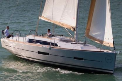 Rental Sailboat Dufour 382 Gl Pomer