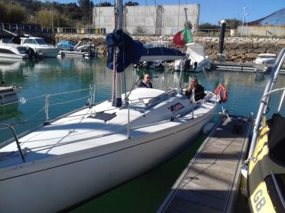 Rental Sailboat Beneteau First Class 8 Albufeira