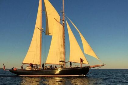 Charter Sailboat Schooner 80 Salem