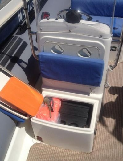RIB Zodiac Pro 16 Man for hire