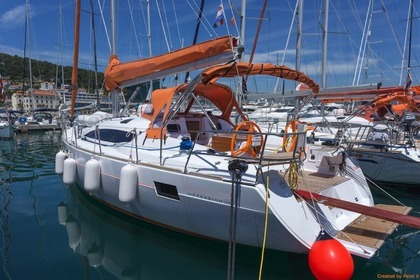 Hire Sailboat ELAN 45 Impression Split