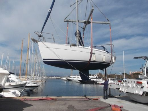 BENETEAU OCEANIS 361 CLIPPER in Cogolin for hire