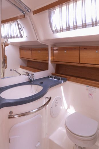 Charter Sailboat Bavaria 46 Cruiser 2009 Lefkada